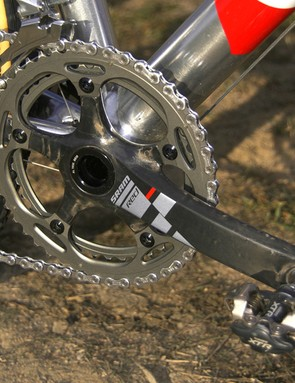 Johnson uses SRAM's new BB30-compatible Red crankset fitted with prototype 39/46T 'cross rings