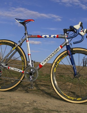 Tim Johnson (Cannondale - Cyclocrossworld.com) won this month's Boulder Cup on his signature-edition Cannondale XTJ 'cross machine