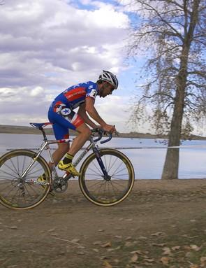 Johnson powers his Cannondale XTJ past the Boulder Reservoir