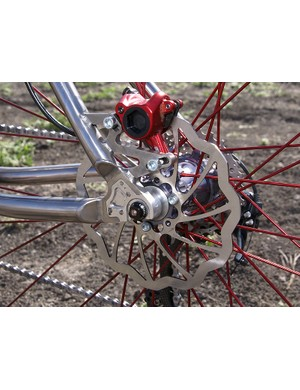 Convertible dropouts make for easy use in fixed or geared applications.