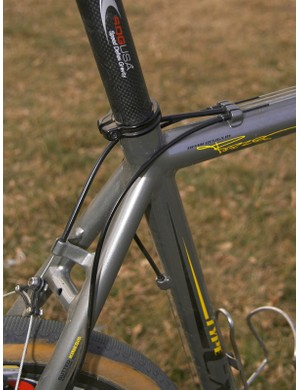 Top tube cable routing helps keep things running smoothly