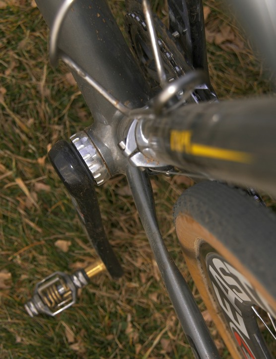 The bridgeless chainstay design offers plenty of mud clearance