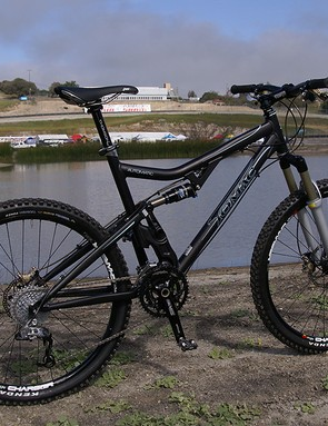 The new Tomac Automatic offers up an aluminium alternative to the carbon fibre Carbide model.