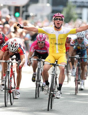 Mark Cavendish (T-Mobile) celebrates as he crosses the line
