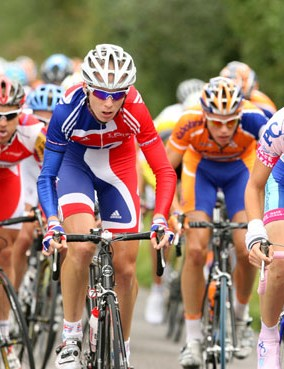 Youngsters Russell Hampton (Team GB) and Simon Richardson (Plowman Craven / Evans Cycles) ride  stea