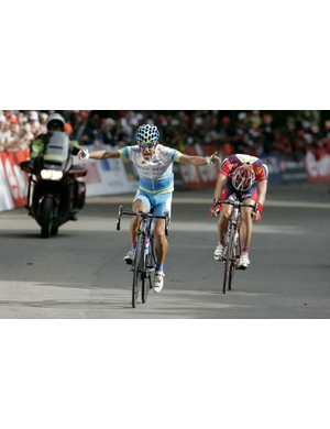 Adrian Palomares (Fuerteventura-Canarias) beats  Tom Stubbe (Chocolade Jacques - Topsport) in the sp