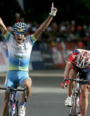 Adrian Palomares (Fuerteventura-Canarias) beats Tom Stubbe (Chocolade Jacques - Topsport) to win the