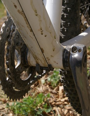 …but hidden inside is a specially shortened bottom bracket spindle to decrease the pedal stance width.