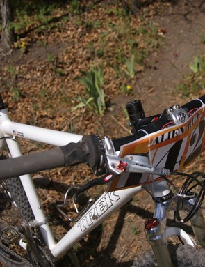 Brown prefers massively wide Salsa Pro Moto flat handlebars.