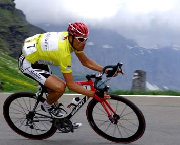CYCLING : TOUR OF SUISSE 2004ULLRICH Jan ( GER ) YELLOW JERSEY MAILLOT JAUNE GELE TRUISTAGE 6 : FRUTIGEN - LINTHALETAPE RIT TOUR DE SUISSE / RONDE VAN ZWITSERLAND SWITZERLAND