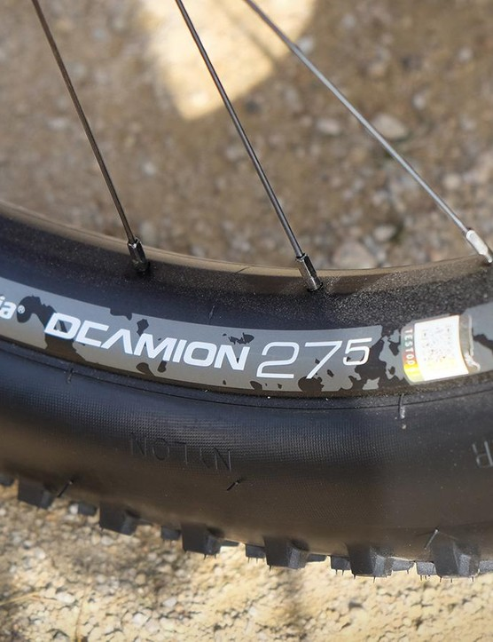 Vittoria was also showing off its new 27.5+ Deamion wheelset. The alloy rims have an internal width of 40mm
