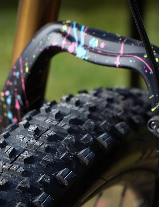 Vittorria also has a new 27.5x3in model, dubbed the Cannoli, but what's up with that paint?