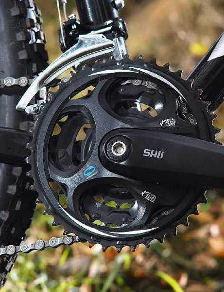 Effortless shifting at the expense of a non-replaceable chainring
