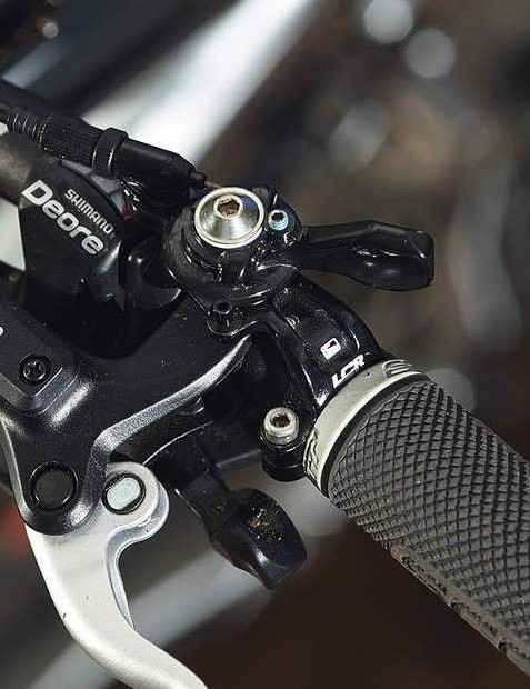 The LCR remote lever lets you adjust the shock on the fl y