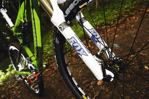 Fox 32 Talas RLC fork has up to 140mm of adjustable travel