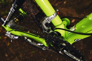 Swingarm pivots at the middle chainring