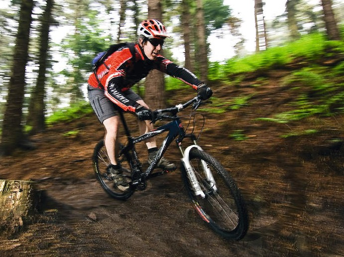The Kili feels confident on the descents, aided by the competent RockShox Reba SL fork