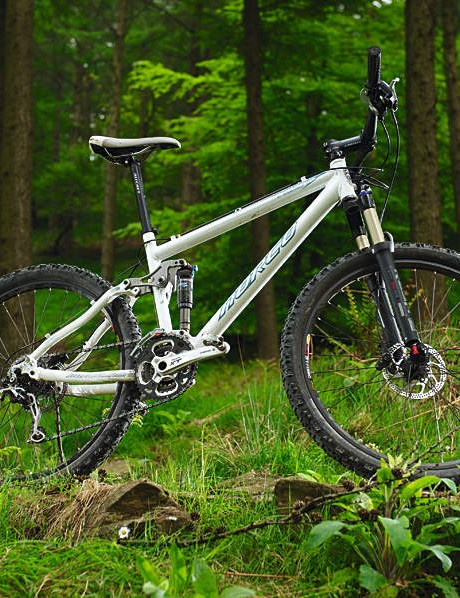 The rear end behaves  for all the world like  one of Specialized's  Stumpjumper FSRs