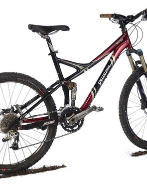It's most at home on big, rocky terrain,where it tackles wheel-eating slabs with ease