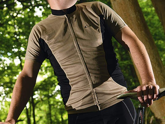Close-fitting jersey available in khaki or black
