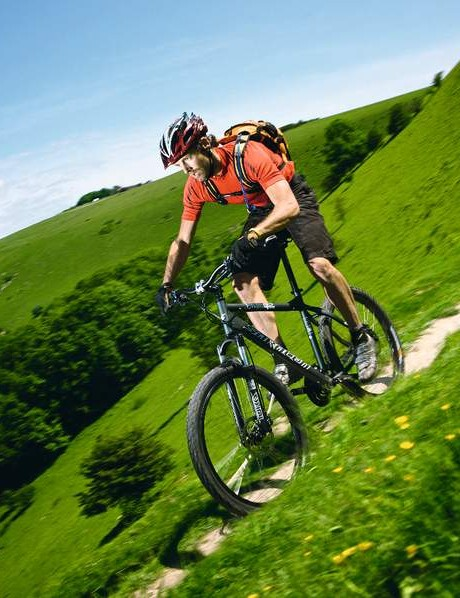 With its five inches of travel and beefy tyres the Mantra eats up rough trails