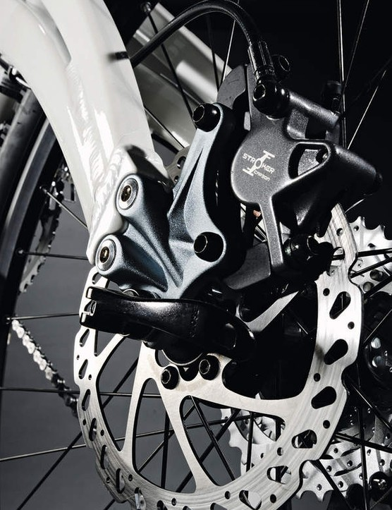 Replaceable QR rear dropouts can be swapped for bolt-thru options