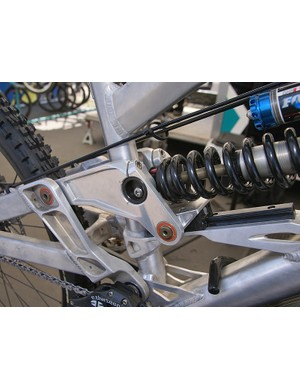 The swingarm activates a rail-controlled linkage for a more precisely controlled shock rate.