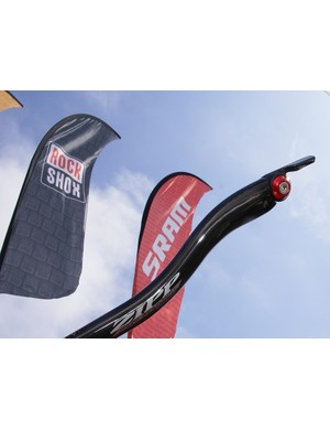 Zipp now offers a SRAM-compatible version of its integrated chicane aero bar extensions.