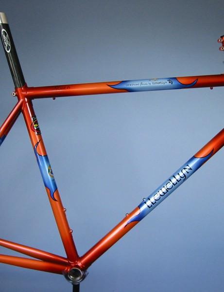 Llewellyn Bikes Slant 6 shows off Llewellyn's lugs for sloping top-tube road bikes