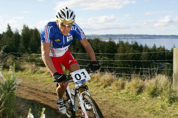 Reigning cross-country world champion Julien Absalon (Orbea) in action at the 2006 world's in New Ze
