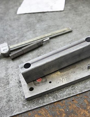 Quality control happens at every stage of the lock construction; from the first cuts and drillings to the pakaging they'll finally be placed in