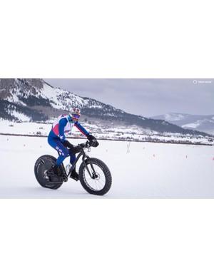 More proof that aero really is everything. Skinsuit, check. TT helmet, check. TT bars, check. Rear wheel cover, check!