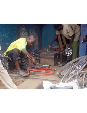 The African way to rejuvenate a bike: simplicity and ingenuity.