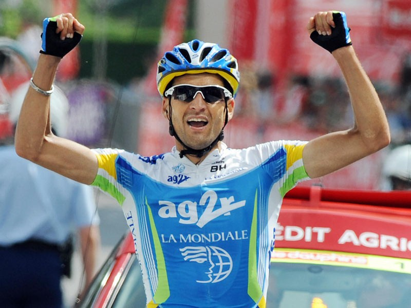 France's Cyril Dessel (AG2R la Mondiale/Fra) celebrates after crossing the finish line on June 12, 2008 during the fourth stage of the 60th edition of the Criterium of the Dauphine Libere cycling race between the French southern cities of Vienne and Annemasse