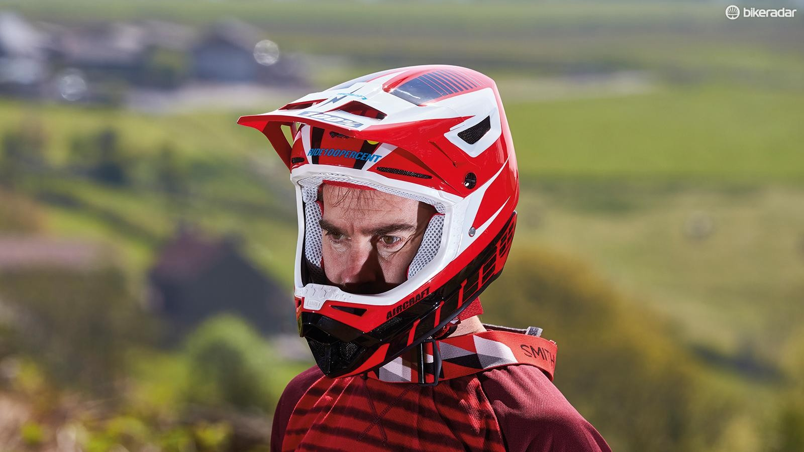 The Aircraft MIPS full-face helmet from 100%