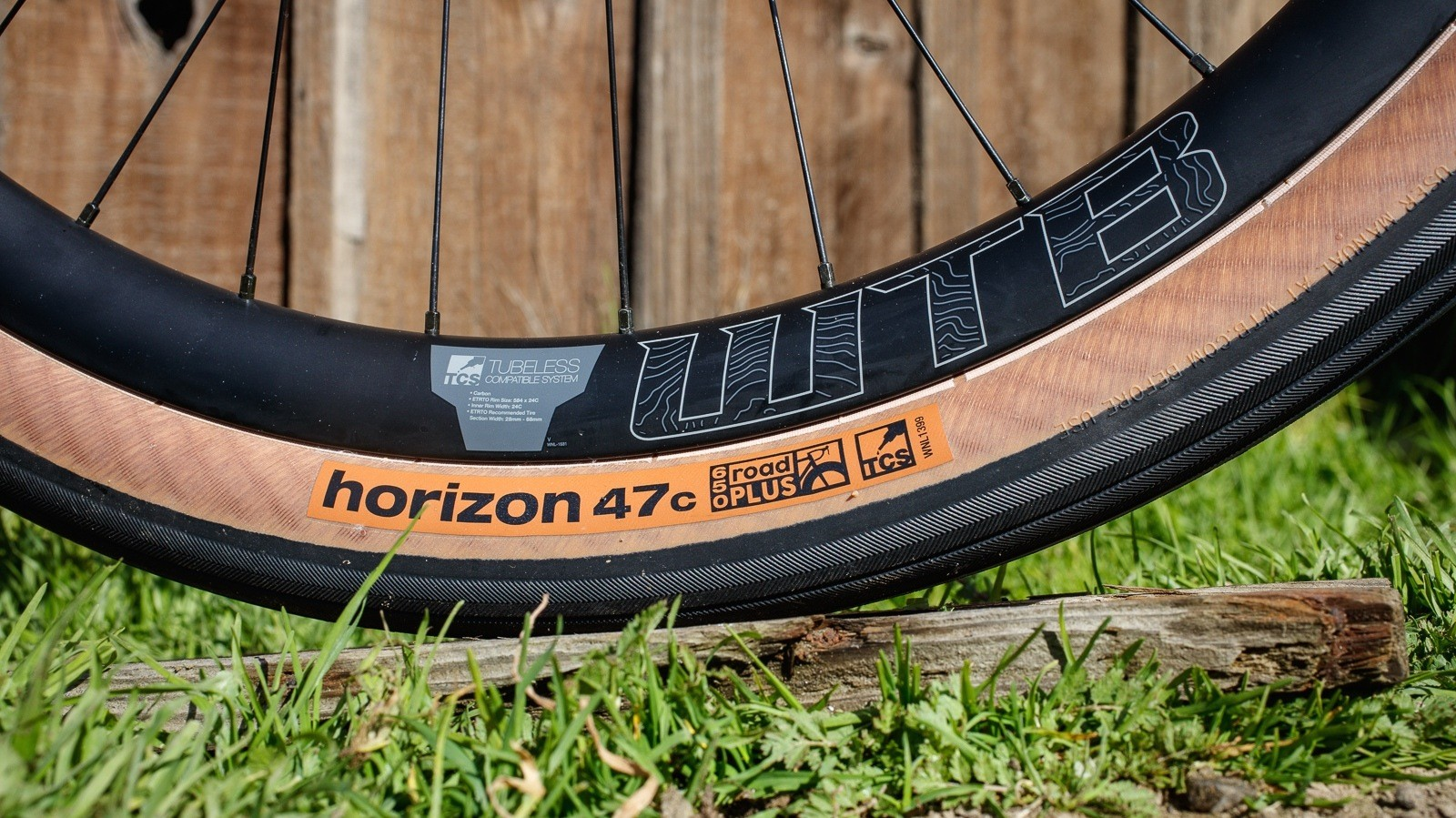 The Horizon Road Plus is a 650b tyre so plump that its total diameter equals that of a 700c 30mm tyre