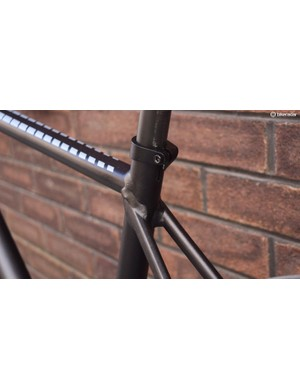There's no hiding that this is an alloy frame, but it's an attractive one