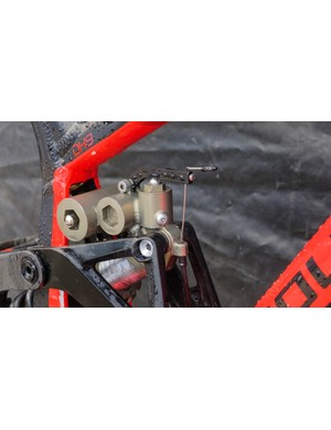 The real highlight of the bike is the custom rear shock that includes an on-the-fly low-speed compression adjustment