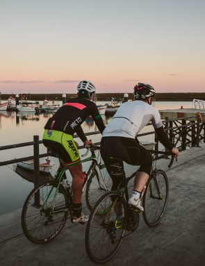 The sun dipped below the horizon as we reached the seafront of Santa Luzia