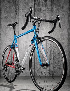 The Columbus Zona-tubed frame is based on classic road-bike geometry