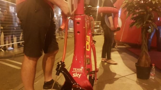 All red for Froome's F10