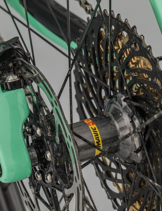 The Alma features Boost 148mm rear hub spacing