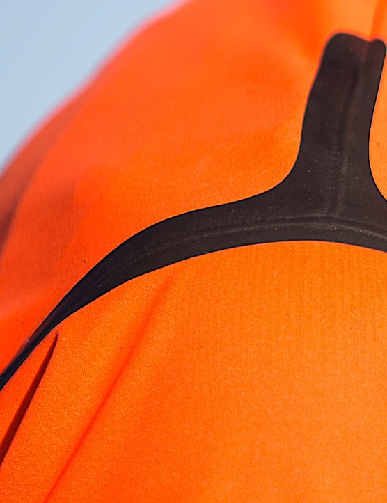 Shoulder seams are taped for better water protection