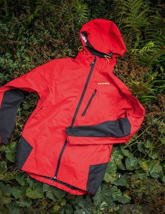 The budget price belies the top performance of the Altura Mayhem jacket