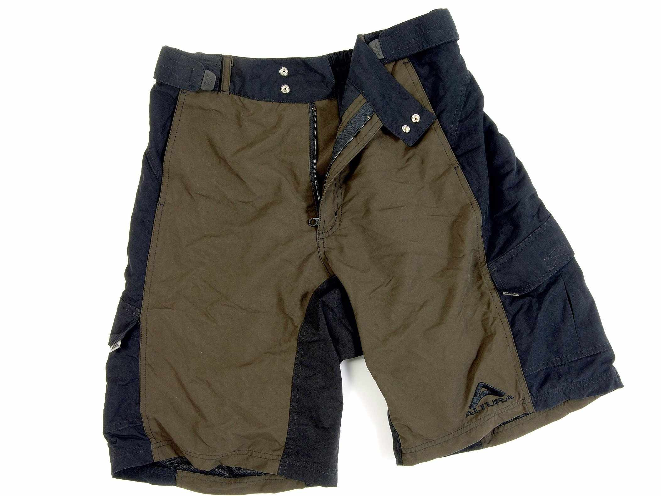 The Altura Altitude shorts are well-priced, well-designed baggies.
