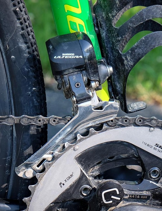 An Ultegra Di2 front derailleur shifts through a SRAM 50/34t crankset