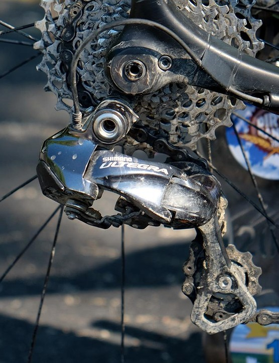 Nauman ran an Ultegra Di2 rear derailleur with an 11-32t cassette. Note the electrical tape used to keep the wire out of harm's way