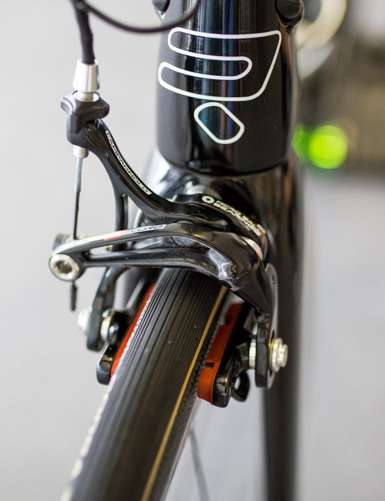 The Ridley Noah SL doesn't have any hidden or aero brakes, just standard Campy Super Record stoppers