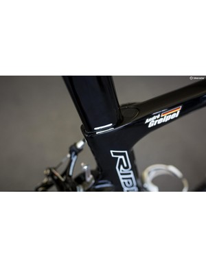 A simple line from a paint pen denotes the Greipel's saddle height