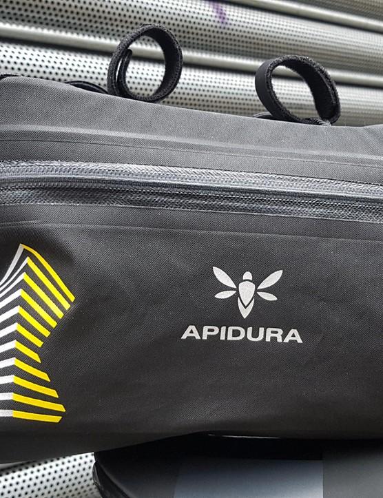 Run aero-extenders? This bag solves you bar bag carrying dilemma